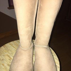 Tall Cream Ugg Boots (Brand New Never Worn)